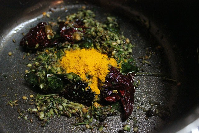 tempering for preparing tomato rasam recipe