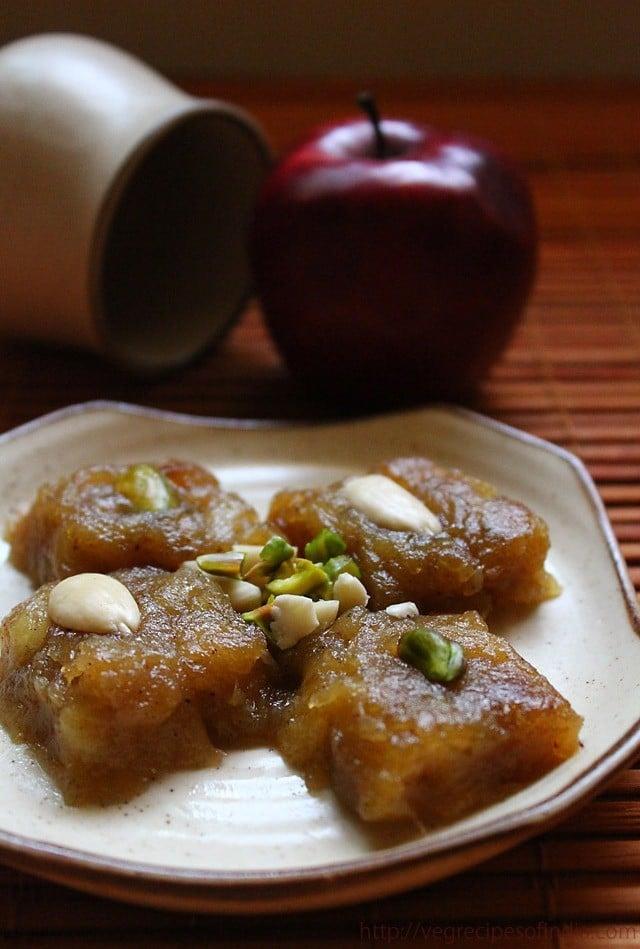 apple halwa recipe, how to make apple halwa with cinnamon & vanilla