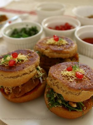 dabeli recipe, how to make dabeli | kutchi dabeli | dabeli pav