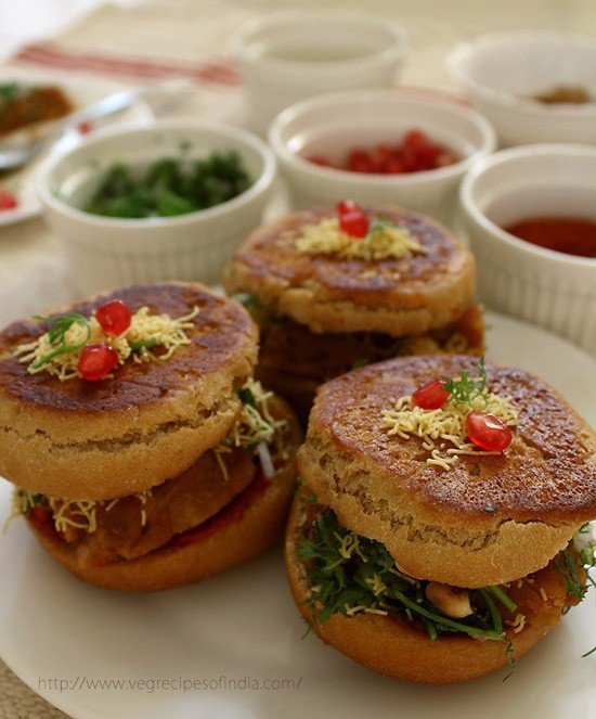 dabeli recipe, kutchi dabeli | kachchhi dabeli | how to make dabeli