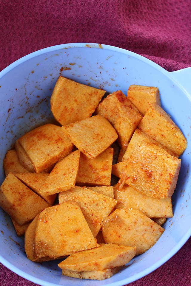 marinating yam chips, marinating suran chips