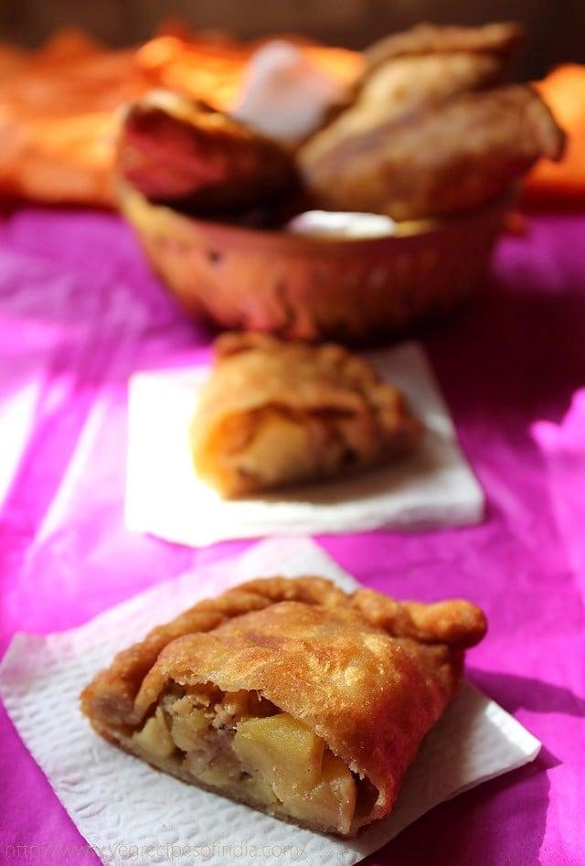 apple gujiya recipe