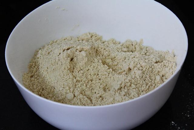 flour for apple gujiya recipe