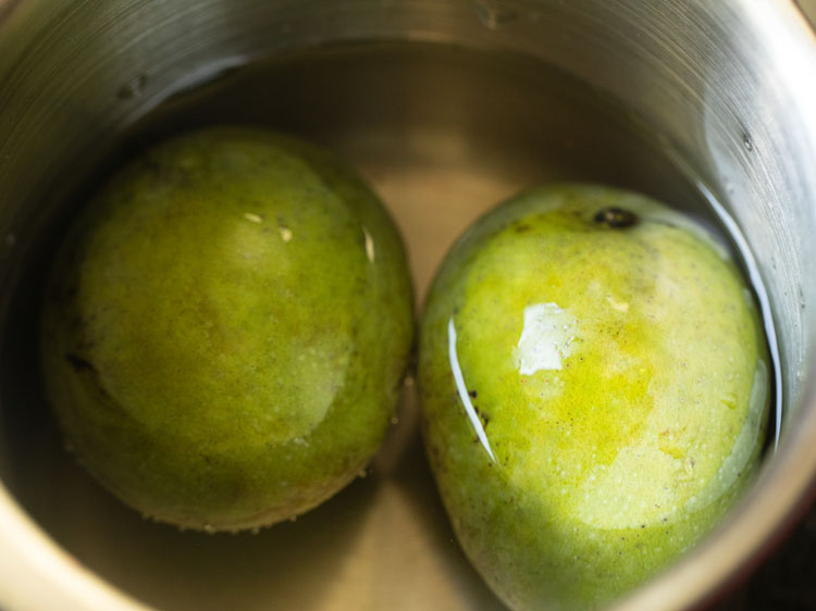 cooking mangoes for aam panna
