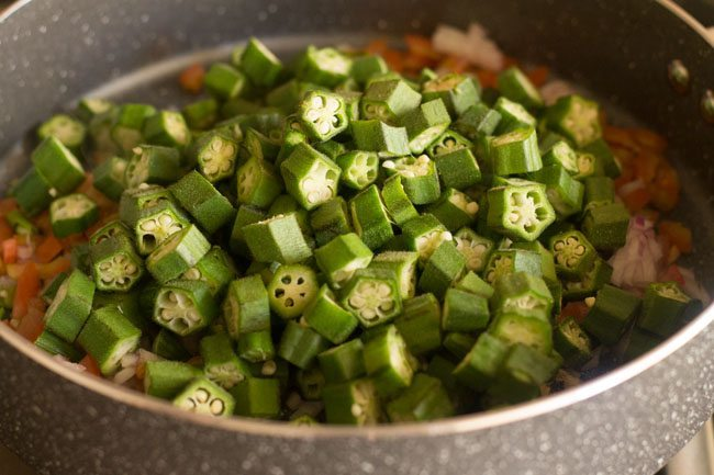 making bhindi bhaji recipe