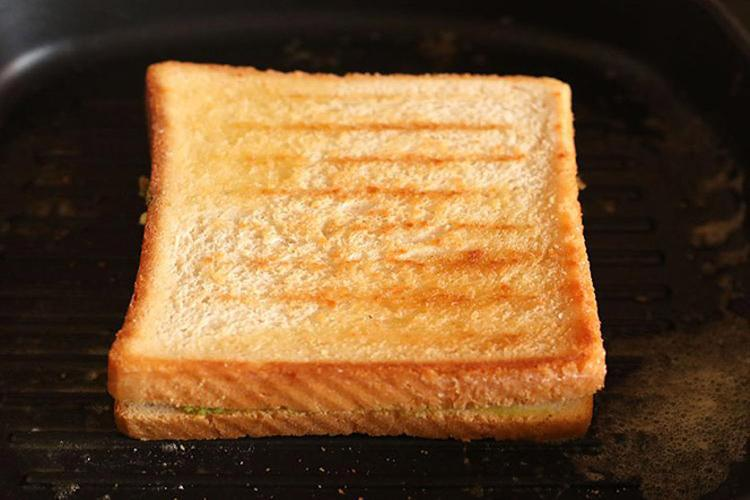 guacamole toast sandwich recipe