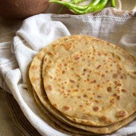 paneer paratha, punjabi paneer paratha, paneer paratha recipe