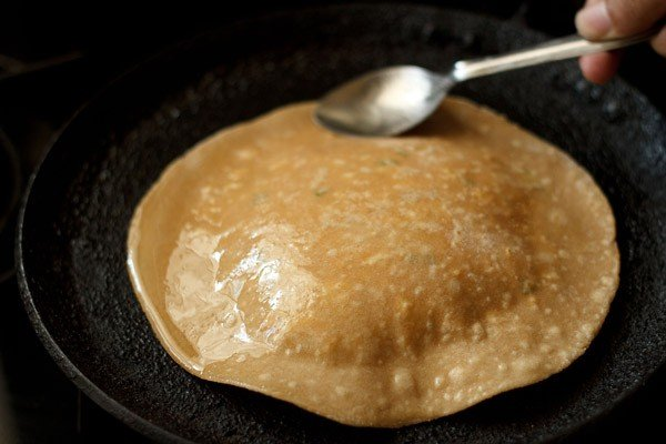 making punjabi paneer paratha recipe