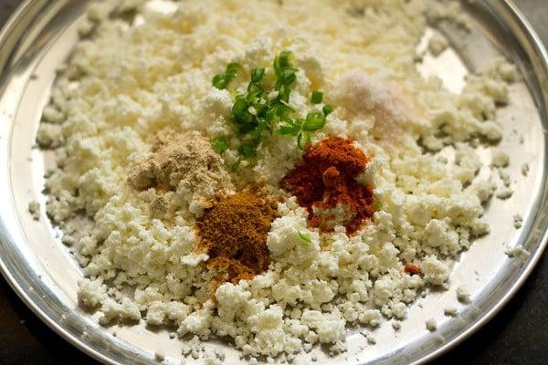 stuffing for making paneer paratha recipe