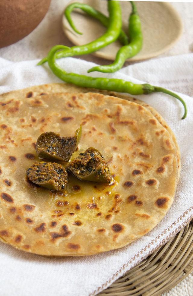 paneer paratha with mango pickle