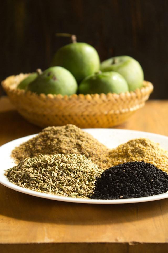 spices for punjabi mango pickle recipe