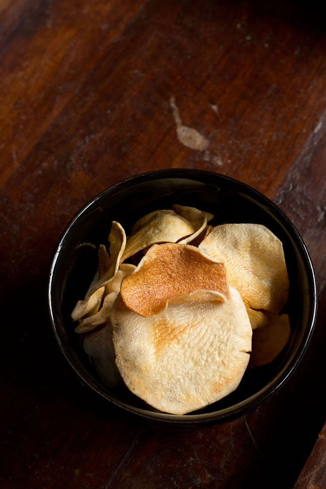 potato chips recipe, how to make sun dried potato chips at home