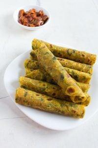methi thepla recipe, how to make gujarati methi thepla recipe