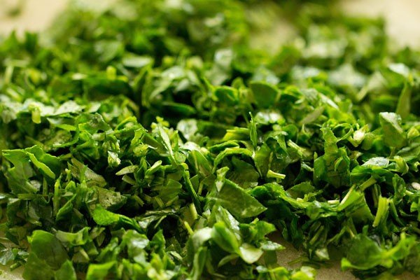 methi leaves for methi thepla recipe