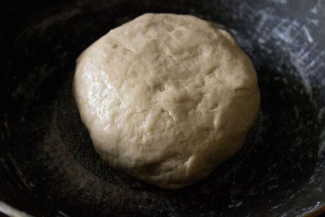 add olive oil to pita bread dough