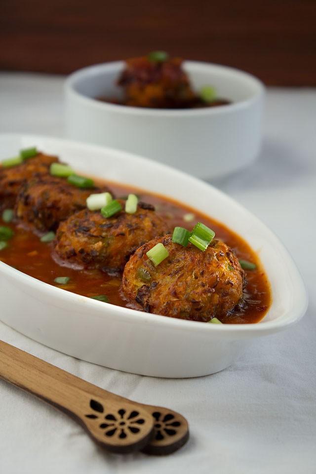 indo chinese veg balls in hot garlic sauce recipe
