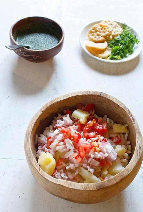 potatos onions to make bhel puri recipe