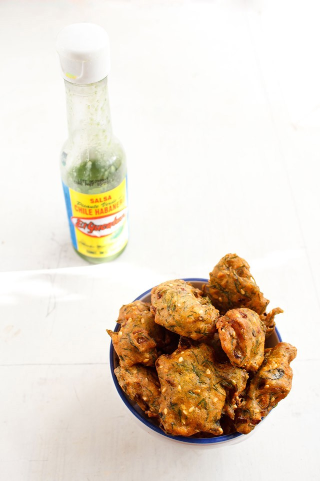 dill leaves pakora recipe, how to make dill leaves pakoras