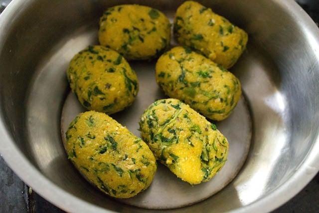 fried methi muthia
