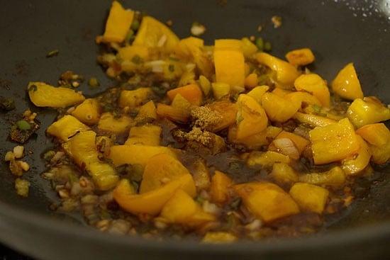preparing mushroom manchurian dry recipe
