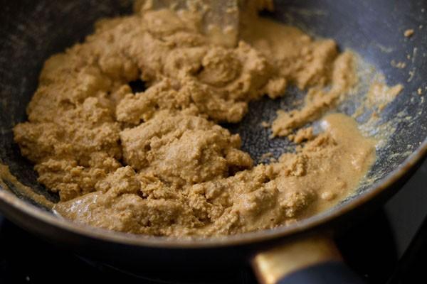 stir besan for preparing besan laddu recipe