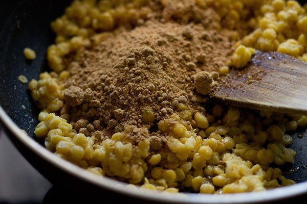 preparing puran mixture