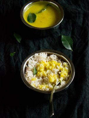 varan bhaat recipe for ganesh chaturthi, varan baat with coconut.