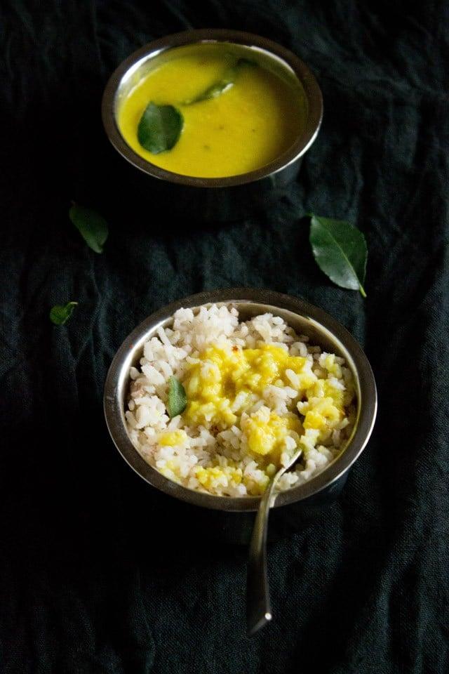 varan bhaat recipe for ganesh chaturthi, varan baat with coconut.
