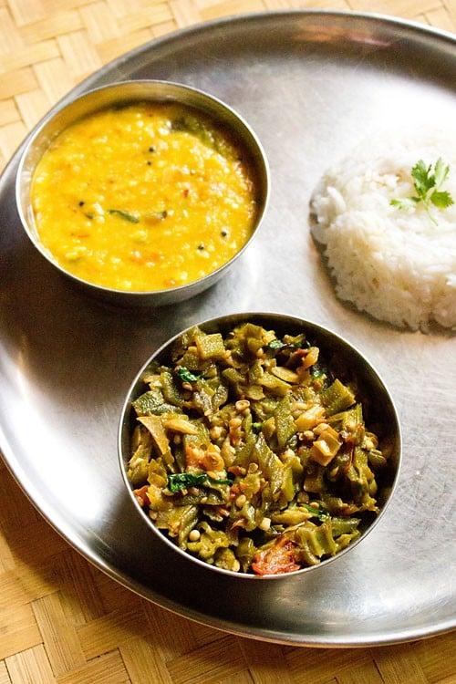 bhindi bhaji or bhindi sabzi recipe, how to make bhindi bhaji recipe