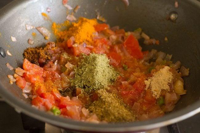 making bhindi sabji recipe