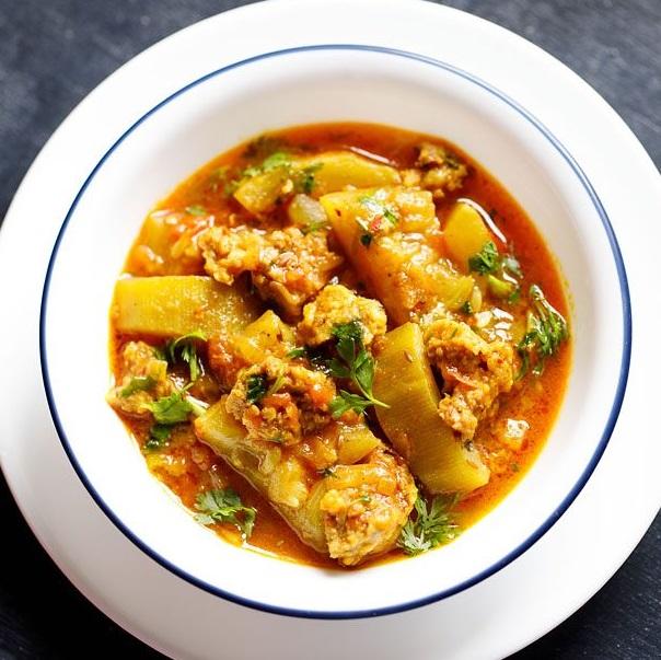 lauki wadi recipe, punjabi lauki wadiyan recipe, amritsari lauki wadi curry