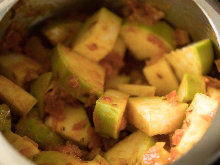 making punjabi lauki wadi or wadiyan recipe