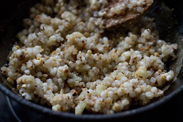 add sabudana for making sabudana khichdi