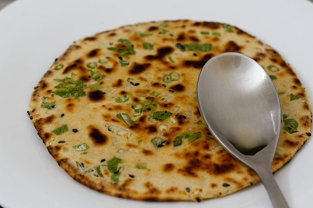 garlic naan recipe, how to make garlic naan on stove top, tawa and ...