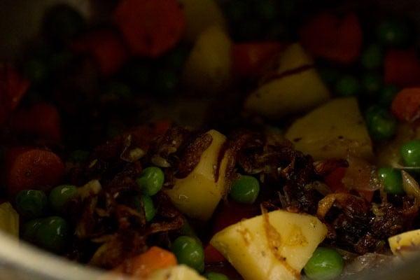 making veg biryani recipe restaurant style