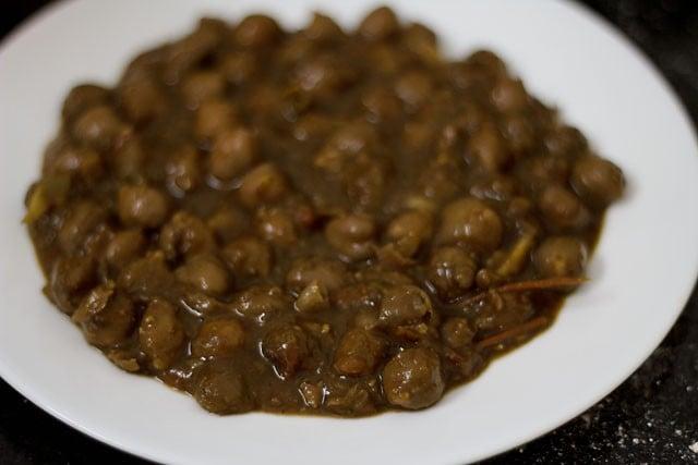 amritsari chole for aloo tikki chole recipe