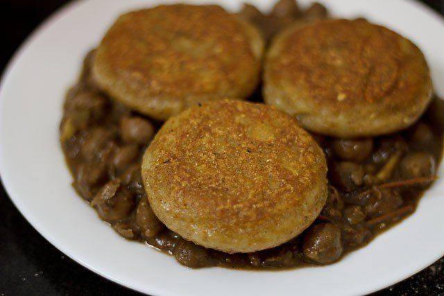 tikkis for making aloo tikki chole recipe