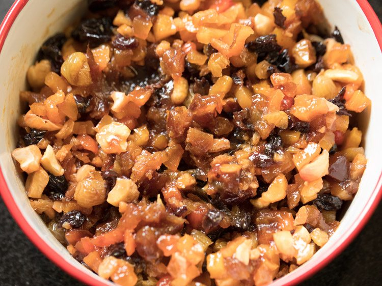 making eggless christmas fruit cake recipe