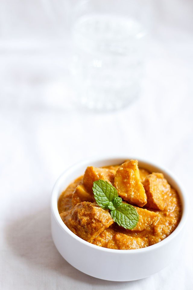 punjabi dum aloo recipe, how to make punjabi dum aloo recipe