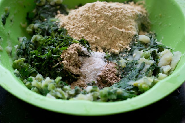 besan for hara bhara kabab recipe