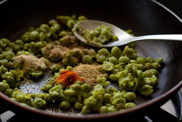 making matar kachori recipe