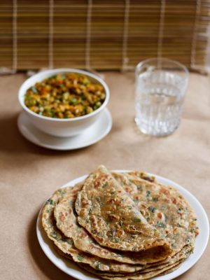 methi paratha recipe, how to make methi paratha