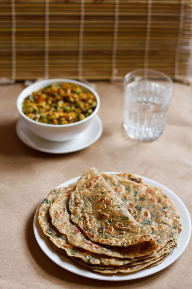 methi paratha recipe, how to make methi paratha | fenugreek paratha