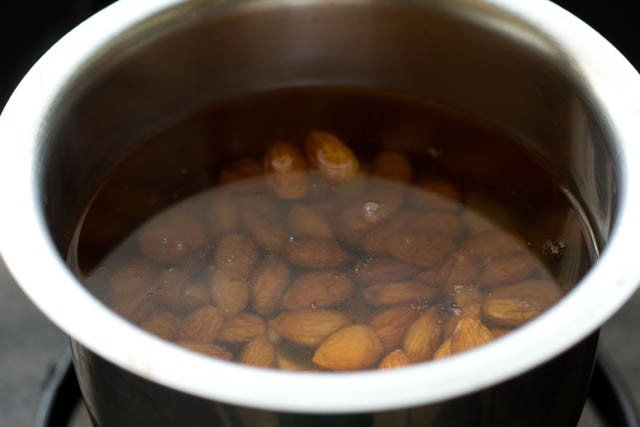 rinse almonds to make almond milk