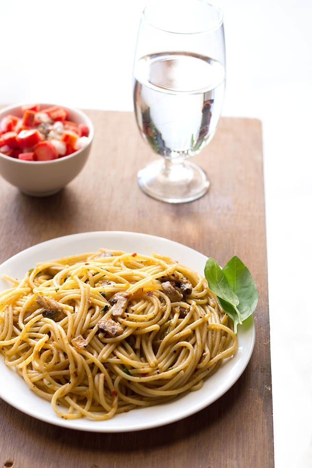 mushroom spaghetti bolognese recipe | veg mushroom recipes