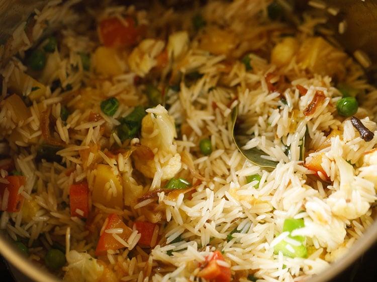 mixing rice
