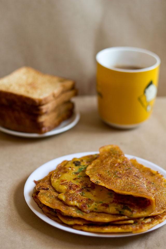tomato omelette recipe, how to make tomato omelette | veg omelette