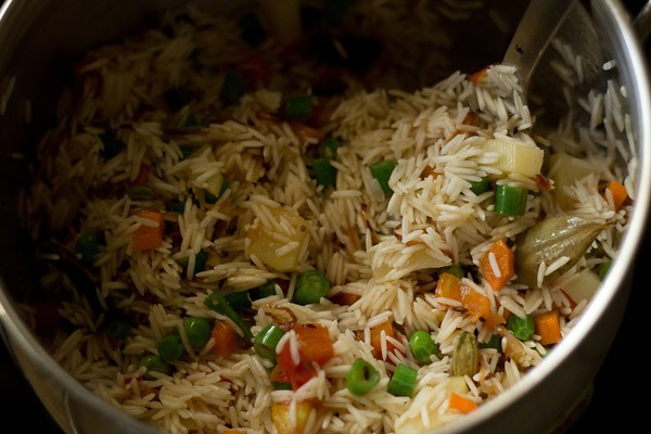 saute rice to make vegetable pulao