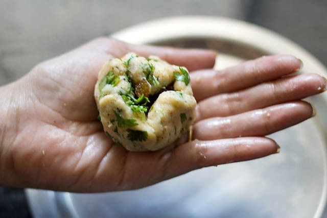 making aloo paneer kofta recipe