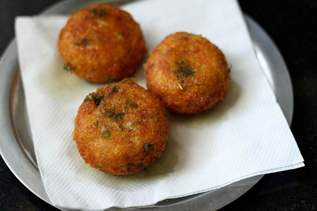 aloo paneer kofta recipe, how to make punjabi aloo paneer kofta recipe